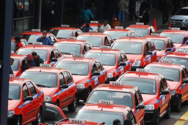 Resultado de imagem para frota de taxis em porto alegre rs